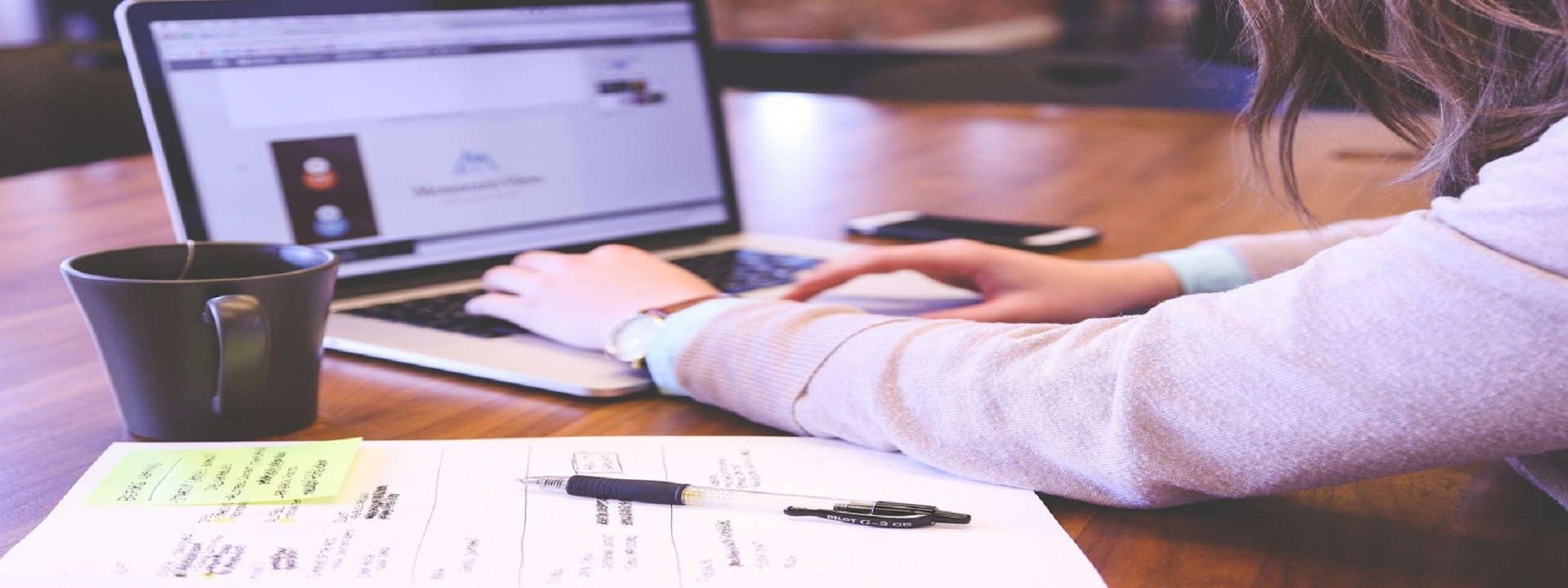 Pracující a podnikající studenti si mohou uplatnit daňové slevy a ušetřit na daních.